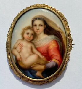 SUPERB ANTIQUE MINIATURE PAINTING OF SISTINE MADONNA GOLD CASED MOUNT BROOCH
