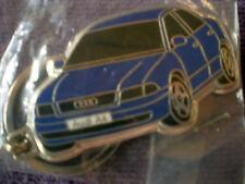AUDI - A4  Metall - Schlüsselanhänger in Blau / / Rückseite Silber / NEU