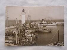 Ancienne carte postale Quiberon Port Haliguen le phare à l'entrée du Port