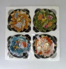 New XINHE PORCELAIN FACTORY CHAOZHOU Boxed Set of 4 Decorative Plates w/ Holders