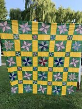 Vintage Hand Pieced Eight Pointed Star Pattern Set In Yellow & Green