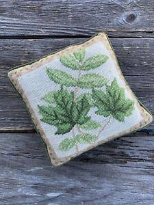 Handmade Needlepoint Pillow Home Decor Green Leaf Design Velvet Wool Yarn