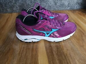 mizuno womens running shoes size 8.5 in europe green jacket