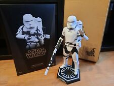 Hot Toys Star Wars First Order Flametrooper 1:6 OVP / Shipper