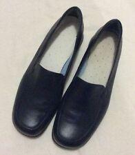 Diana Ferrari Women's Solid Flats
