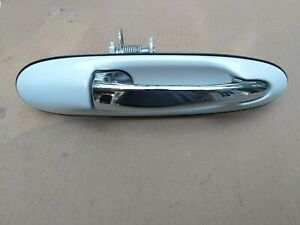 Ford Passenger's Side Outer Door Handle 98-02 Lincoln Town Car Right RH Pearl