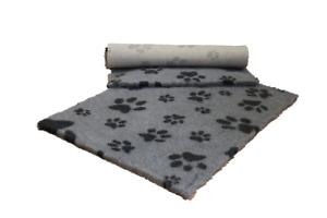 VETFLEECE Non Slip Deep Pile Fleece Vet Bed Dog Cat Grey / Charcoal Multi Paws