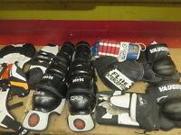 HOCKEY JUNIOR GOALIE EQUIPMENT GROUP chest knee shin mitts glove Itech vaugn