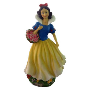 Snow White garden figurine in polyresin for outdoor use for gardens and parks