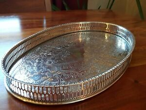 A VINTAGE SILVER PLATED TRAY - VINERS  OF SHEFFIELD