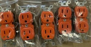 (5 Pack) LEVITON 5262-IG 15 AMP 125 V Duplex Receptacle Isolated Ground Outlet