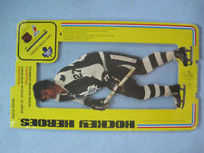 1975 NHLPA UNOPENED HOCKEY HEROES STAND UP DARRYL SITTLER FACSIMILE AUTO