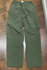 The North Face dark green light weight hiking pants men's m