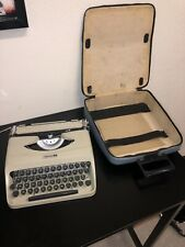 Vintage 1960's Model 18 Underwood Portable Typewriter Made In Italy