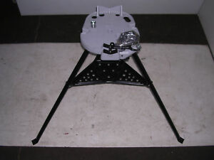 NEW PORTABLE COLLAPSIBLE WELDER REPAIR TRIPOD STAND CHAIN VISE SHELF & BENDER