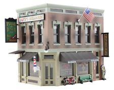 New Woodland HO Built-&-Ready Structure Corner Emporium BR5024