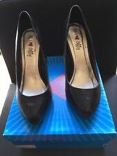 Ladies high heels black shoes