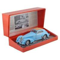 Minichamps 1:18 Alfa Romeo 8C 2900B Lungo 1938 Light Blue