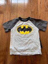 Preowned Boys 4T Batman T Shirt with detachable cape gap summer dc