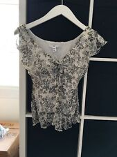 H&M Size 10 Euro 38 White And Black Floral Short Sleeve Chiffon Blouse (M12)