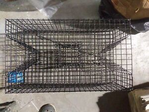 """LEE FISHER PINFISH TRAP- SMALL - VINYL COATED L24"""" x W14"""" x H9"""" ENTRANCE 2 SIDE"""
