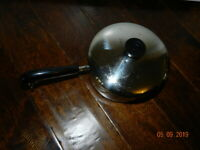 Vintage 1801 REVERE WARE COPPER BOTTOM SAUCE PAN 2 Quarts Qt Pot Clinton, IL USA