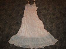 ~ Vintage 1940s/50s Slip Gown Satiny Soft Lady Lynne Pedicrest Lace Nylon Slip