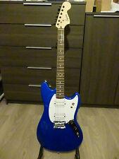 """guitare électrique Squier Mustang Bullet """"Customisée"""" + accessoires divers"""