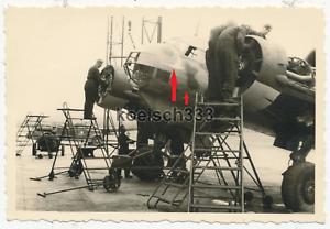 Foto Aufklärungsgruppe 121 Ju 88 Flugzeug 7A+AH WNr. 862 Wartung in Griechenland