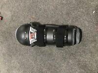 EVS Sports Epic Knee/Shin Guards Black/Red Pair Large/X-Large w/ Crash Damage
