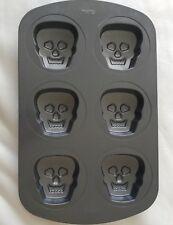 Wilton Halloween 3D Mini Skull Pan Bakeware Cake Muffin Skeleton Monster Face