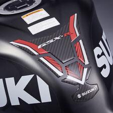 Suzuki Genuine Part-GSX-R 1000 L7-L8 Tanque Pad (de carbono/rojo) - 990D0-17K01-PAD