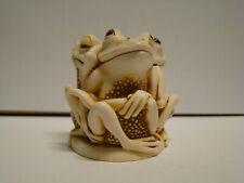 Harmony Kingdom Tongue And Cheek Frogs Trinket Box