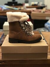 Women's Ugg Fraser Boots - Size 8 New In Box