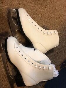 Girls white ice skates sz 3