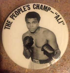 """1960s MUHAMMAD ALI """"THE PEOPLE'S CHAMP - ALI"""" BOXING 3"""" PINBACK BUTTON BADGE PIN"""