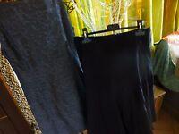 lot== t3== jupe femme  évasée  noire  et robe droite  grise