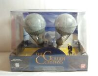 CORGI THE GOLDEN COMPASS LEE SCORESBY'S AIRSHIP WITH LEE SCORESBY FIGURE GC78628