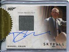 James Bond Archives 2015 Autographed Costume Card Daniel Craig [9 Case Inc]
