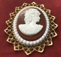 Vintage Brooch Pin Cameo Red White Gold Tone Flower Pendant