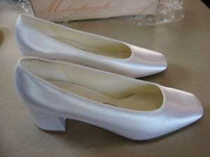 "David's Bridal Michaelangelo ""Angela Satin"" White Broad Toe Shoes 8.5 M"