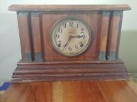 Vintage  E. Ingraham Mantle Clock  Key Wind Cathedral Hour Gong circa 1800s USA