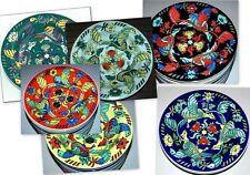 Teller aus Porzellan mit Bildmotiven