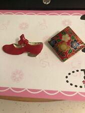 Mary Jane/Flower brooch/pendent Beautiful Brooch Shoe Vintage-Style Red Ladies