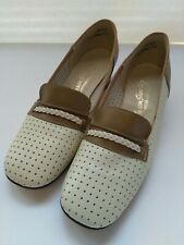Vintage 60's-70's Mason Shoe Co Leather Slip On Tan&Ivory Exce. Cond. No Flaws