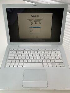 MacBook Intel Core 2 Duo - White 13.3in 2Ghz 2Gb RAM