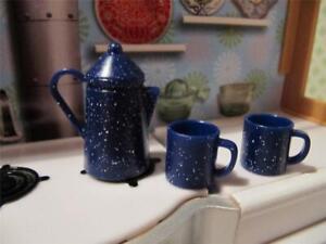 LIV Barbie MAPLE LODGE DOLL BLUE Speckled Camping Plastic Coffee Pot/Cup Mug Set