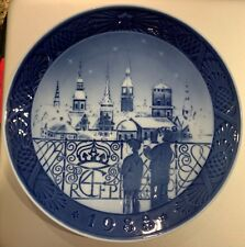 "1988 Royal Copenhagen Christmas Plate ""Christmas Eve In Copenhagen"" (Mint)"