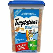 TEMPTATIONS 10168556 Crunchy and Soft Cat Treats - 16 oz