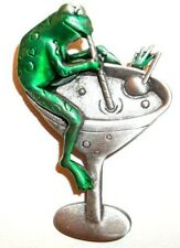 JJ VINTAGE FROG DRINKING FROM A MARTINI GLASS WITH STRAW BROOCH PIN